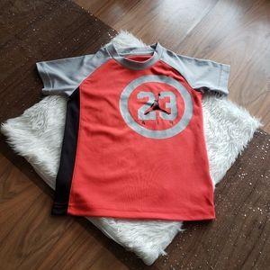 Air Jordan   Active T-shirt - size medium